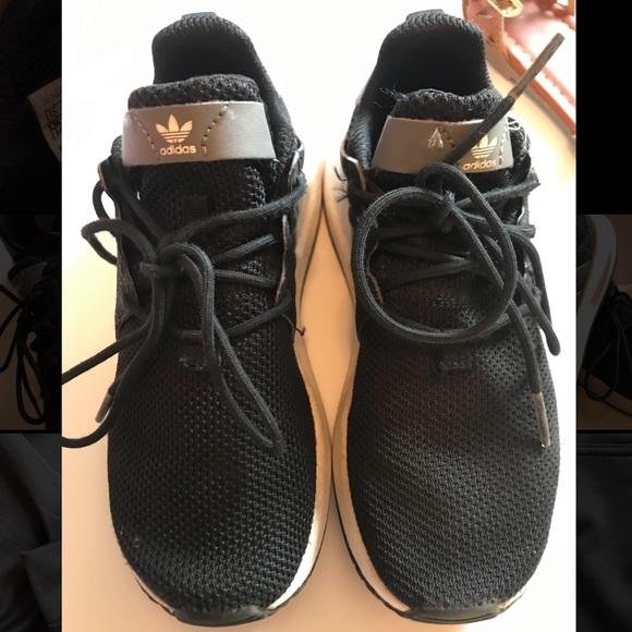 adidas Shoes | Boys Blackwhite Size 13